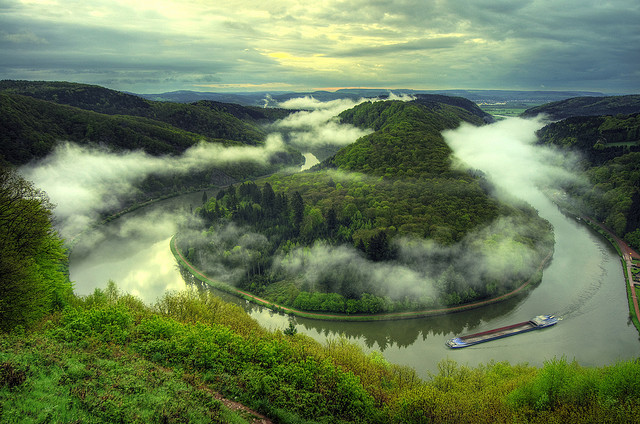 by Wolfgang Staudt on Flickr.Morning view of Saar river in northeastern France and western Germany.