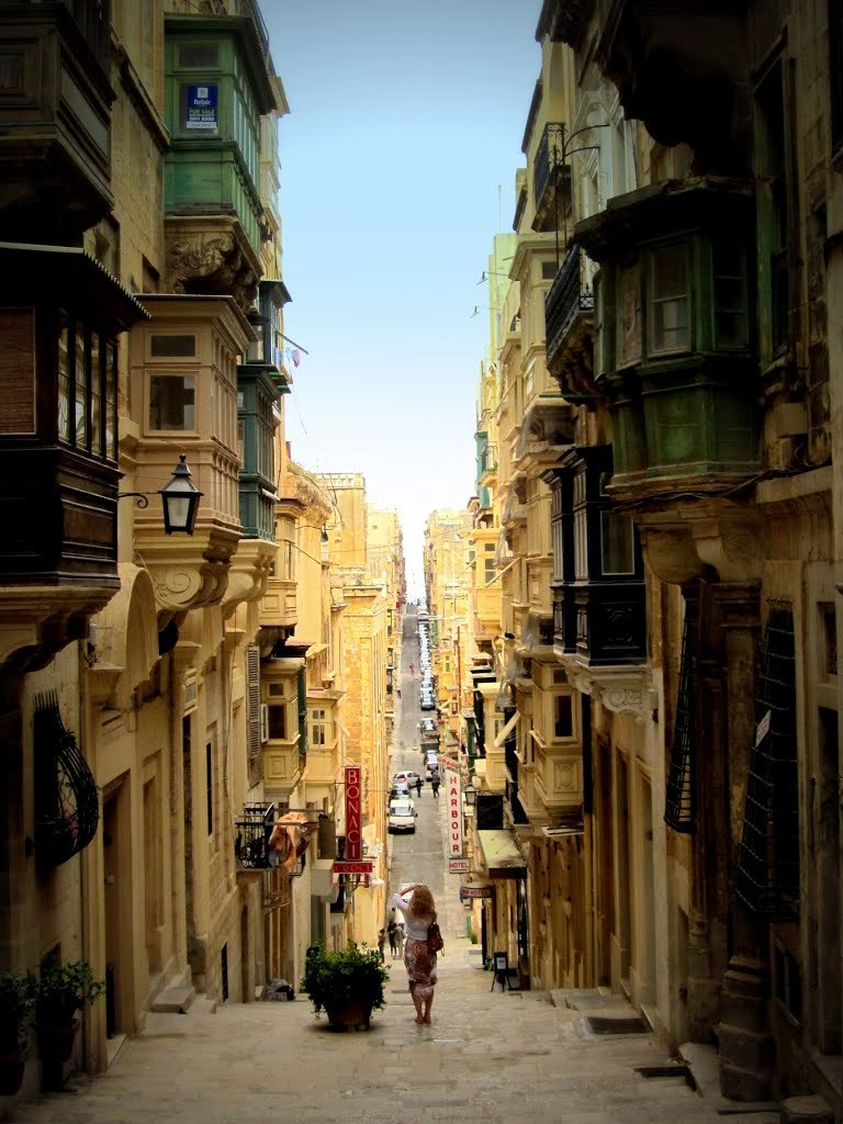 In the narrow streets of Valetta / Malta